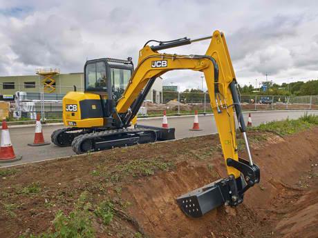 021040 excavator.jpg